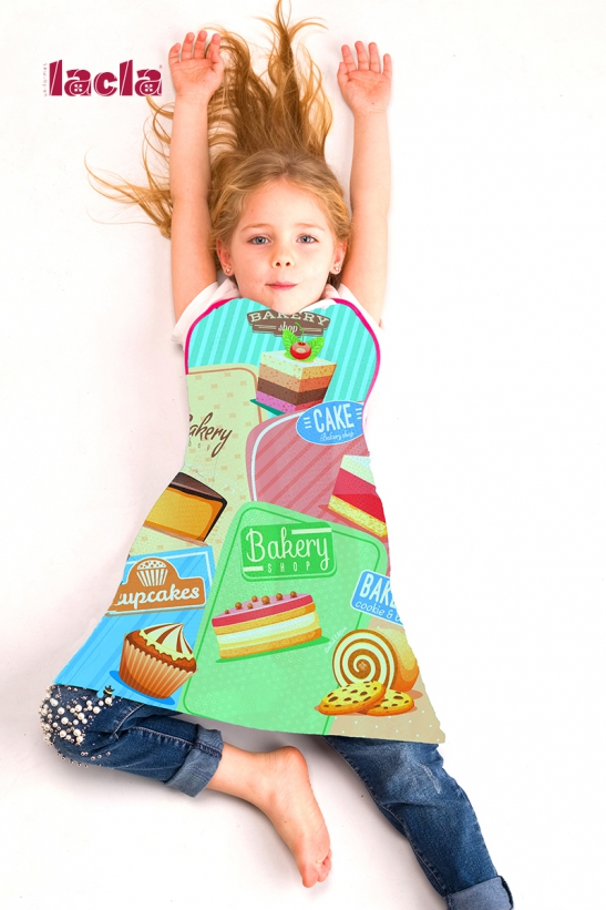 2 PACK OF CHILDISH INTERNATIONAL APRONS